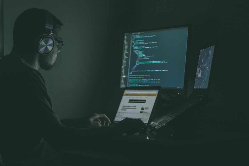 10 Ways to Prevent Cyber Attacks - Leaf